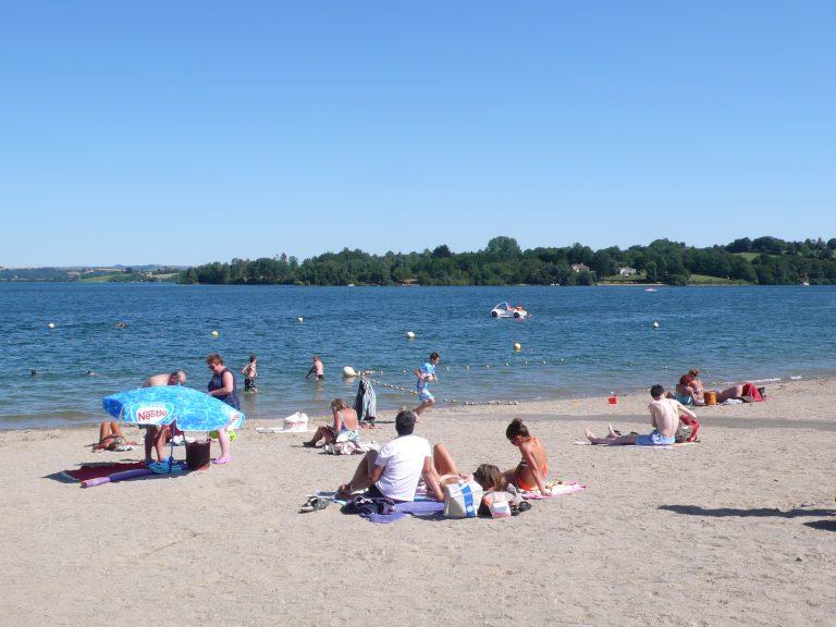 La plage de Arvieu