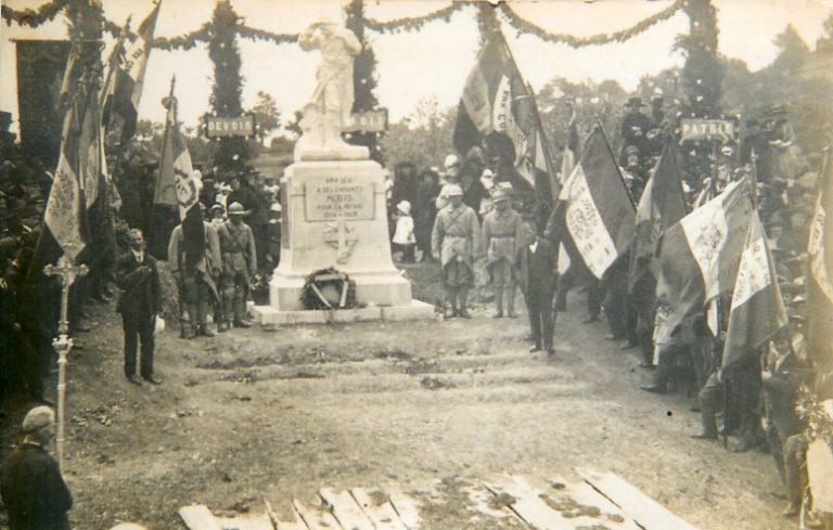 Monument au morts d'Arvieu